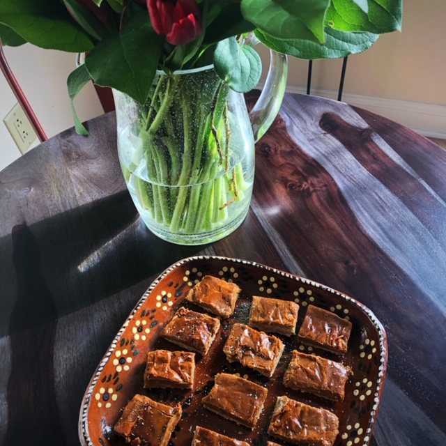 Cinnamon Satin Shortbread Bars